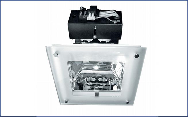 Квадратный встраиваемый светильник направленного света SPH