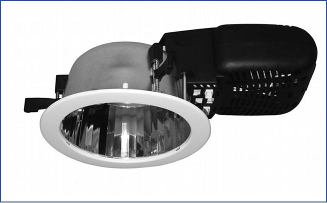 Полностью пластиковый встраиваемый светильник направленного света SPMA